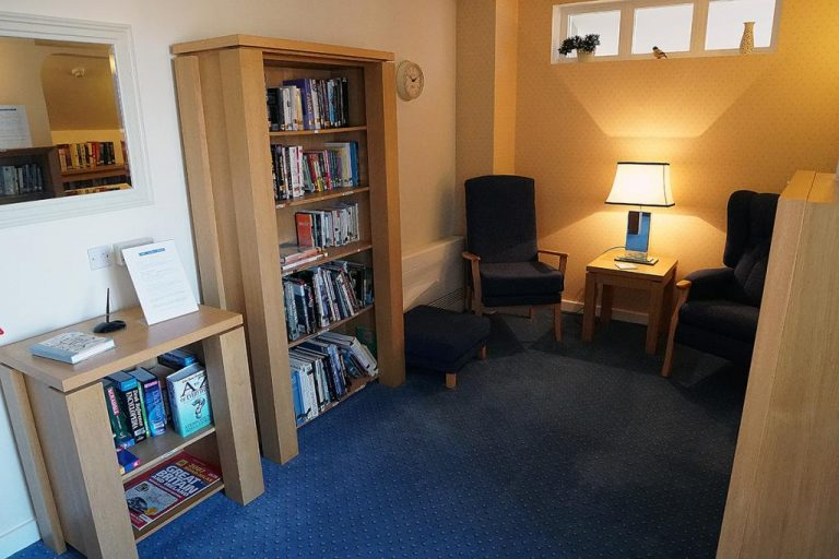 The library at Links View, one of the many facilities for residents to use